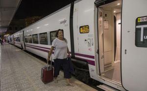 El híbrido estrena el miércoles Camarillas, con tres horas y cuarto entre Madrid y Murcia