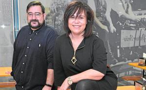 Claudia Orellana y Tonny Serrano: «Vivir de la música, no del músico»