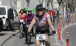 Un paseo solidario por los carriles bici de la ciudad