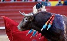 Paco Ureña se lleva una oreja en su vuelta a los ruedos