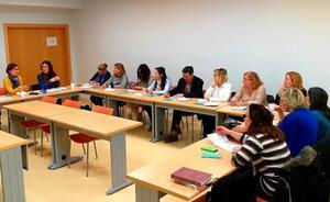 Más de 1.400 sanitarios reciben formación para detectar y prevenir la violencia hacia las mujeres