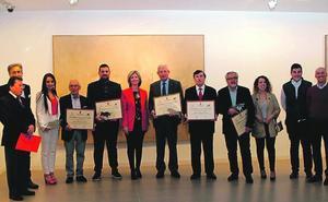 Blanca reconoce a la Asociación Española Contra el Cáncer