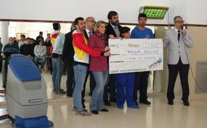 Prolam recibe 4.500 euros de la Gymkhana Solidaria