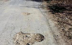 Aumentan las quejas en Mula por el mal estado que presenta el firme del camino rural de las Piñuelas
