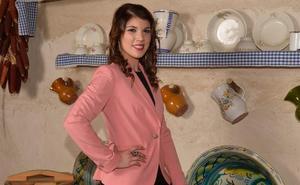 Raquel María Cascales: «La Reina tiene que mostrar sofisticación y saber estar»