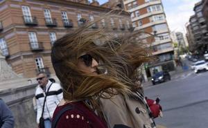 La Región espera este jueves fuertes vientos y olas de hasta tres metros en la costa