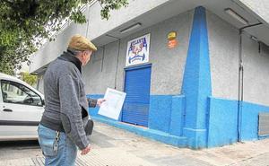 Vecinos de la barriada Cuatro Santos de Cartagena recogen firmas contra la apertura de una mezquita