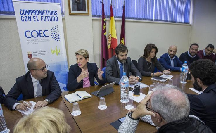 Arroyo se con representantes de la COEC