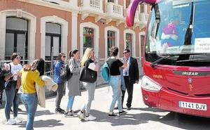 Autobuses para los cercanías y averia de otro ascensor