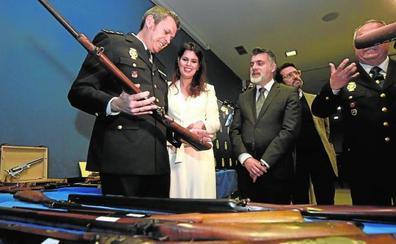 La Policía interviene en Murcia 39 armas de fuego históricas de una colección privada