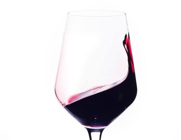 Estos son los mejores vinos de España según los expertos catadores: el número 1 cuesta menos de 10 euros