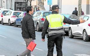 La Policía Local se quedará sin horas extra para atender las emergencias del verano