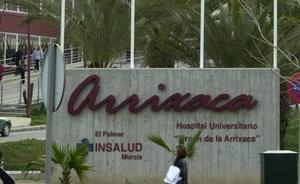 Una paciente denuncia que le dieron 20 pinchazos de anestesia para sacarle un diente en La Arrixaca