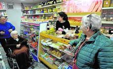 Vistalegre distingue y rinde homenaje a casi 40 comercios que dan vida al barrio