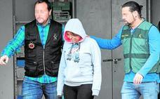 El juez manda a la cárcel sin fianza a la mujer que apuñaló a su marido