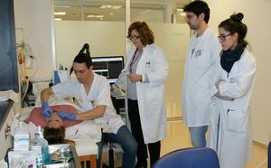 La Arrixaca aplica con éxito un tratamiento con botox contra una afección rara de las cuerdas vocales