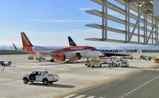 Las negociaciones para que el aeropuerto de Corvera tenga conexión con Madrid, a buen ritmo