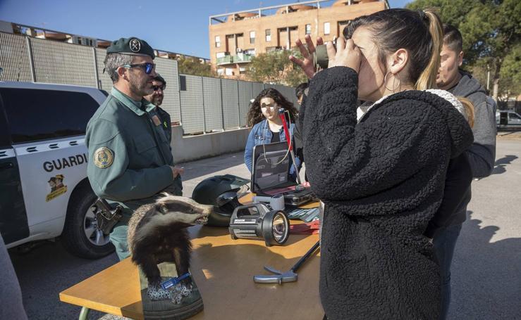 La Guardia Civil muestra su equipo en el Politécnico