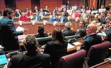 Despedida entre luces y sombras en la Asamblea Regional