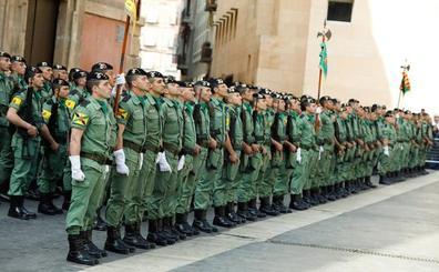La enseña nacional consolida la reorganización de la Brigada Paracaidista