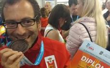 Griñán gana el bronce en la media maratón F35 del mundial Máster de atletismo