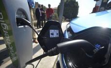 Ayudas al coche eléctrico: abierto el plazo para pedir hasta 6.000 euros para comprar un nuevo vehículo con el Plan MOVES