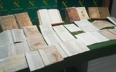 La Guardia Civil recupera siete libros y 20 legajos históricos de Cieza, Ceutí, Totana y Aledo