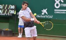 Alcaraz se impone a Sakharov en el Murcia Club de Tenis