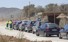 El control de acceso a vehículos en Calblanque se extiende a Semana Santa por primera vez