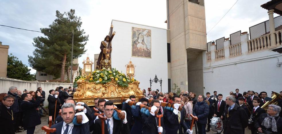 Jesús del Gran Poder llega a San Nicolás sin los toreros