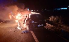Dos heridos en un choque frontal entre turismos en Yecla