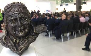 El Ministerio permite que el aeropuerto lleve el nombre de Juan de la Cierva