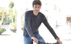 «Mi mujer necesitaba el coche y cogí la bici»