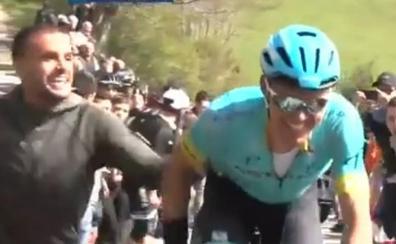 Los hermanos León, imagen de la jornada de la Vuelta al País Vasco