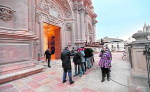 La Virgen de la Soledad estrenará este sábado una corona de plata en la procesión de La Curia