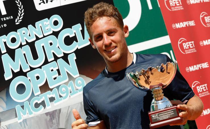 Carballés gana el I ATP Challenger de Murcia remontando al sueco Ymer