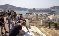 Once mil turistas recalan en el puerto esta semana a bordo de siete barcos
