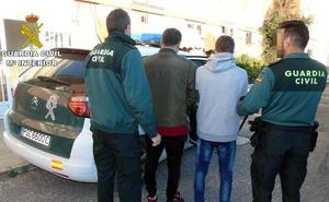 Dos detenidos por presuntos robos en más de una decena de viviendas en La Manga