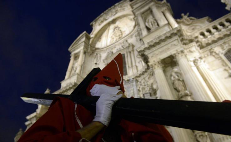 La Archicofradía de la Sangre desfila en Murcia