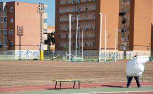 El Ayuntamiento de Cartagena retomará el lunes la resiembra de la pista de atletismo