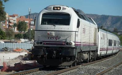 Dos trenes de Media Distancia cancelados en la Región por la huelga de Adif