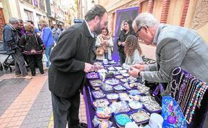 San Miguel acoge el mercadillo de las agrupaciones