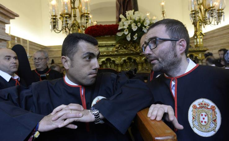 La lluvia obliga a suspender la procesión de la Soledad en Murcia