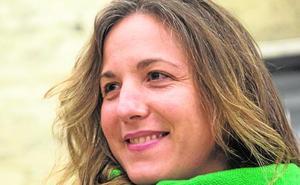 Paloma Zapata: «La gente se sorprende de que Peret fuera gitano»