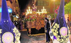 Barroquismo morado y penitencia en la procesión del Cristo del Perdón
