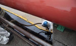 La Fiscalía abre una investigación sobre el vertido de petróleo en la rambla de Escombreras