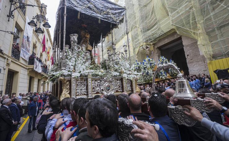 Los Resucitados suspenden su procesión en Cartagena por la lluvia