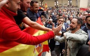 Abascal pide el voto a los socialistas «con sentido común»