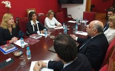 Isabel Borrego asegura que dotarán de más medios a los abogados si gobiernan