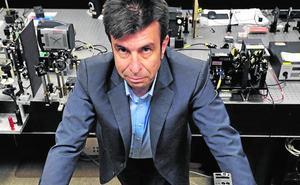 La Sociedad Óptica reconoce la labor científica de Pablo Artal